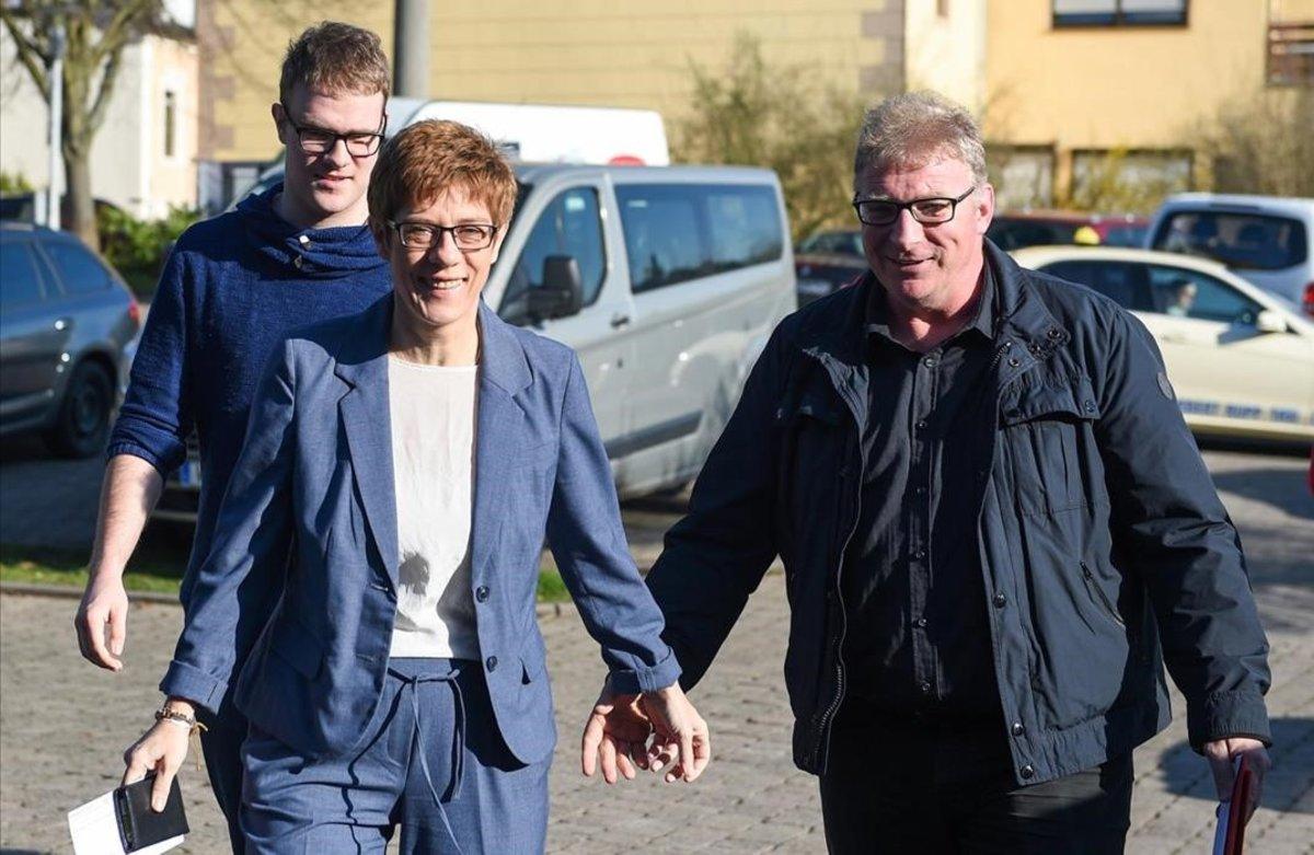Helmut Karrenbauer, el sacrificado marido de la heredera de Merkel