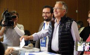 Josep Bou, a 45 paperetes de perdre els dos regidors del PP a Barcelona