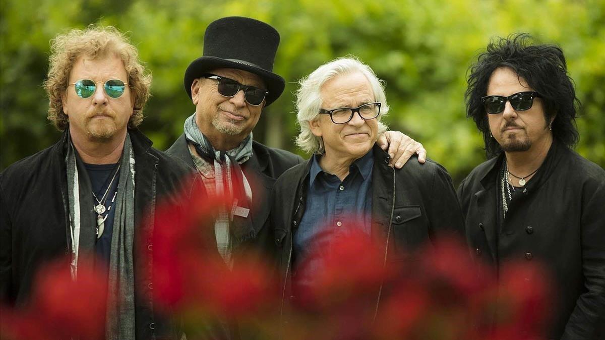 Toto: «Els 'hipsters' prefereixen els músics que fan pudor»