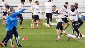 Rodrigo Moreno en el entrenamiento del pasado viernes junto al resto de sus compañeros
