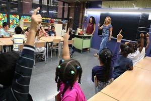 Primer día de clase en la escuela Warner de Santa Coloma de Gramenet, el pasado septiembre..
