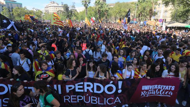 Manifestación de estudiantes en Barcelona por el 1 de octubre