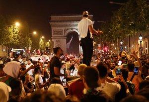 Detingudes a França 282 persones per aldarulls amb seguidors algerians