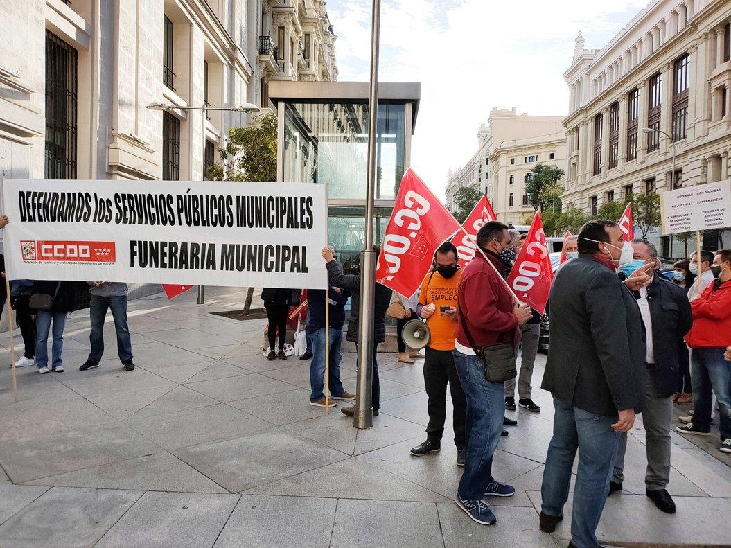 Manifestación de trabajadores de la funeraria de Madrid.