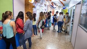 Alumnos de las pruebas PISA del 2015 en la escuela Santa Marta de LHospitalet.