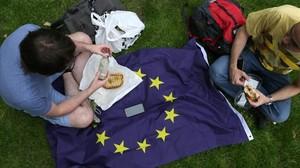 Dos participantes en una manifestación contra el resultado del Brexit,el pasado 9 de julio.