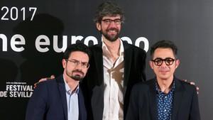 Carlo Padial, director de Algo muy gordo, con Javier Botet y Berto Romero.