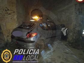 Un conductor novel borracho se empotra contra una pared en El Vendrell