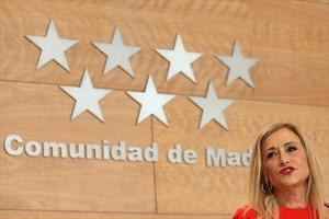 Cristina Cifuentes, ayer, al anunciar que renunciaba al falso máster.