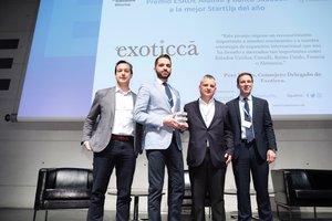El equipo de Exoticca recibe el precio de Esade y Banc Sabadell.