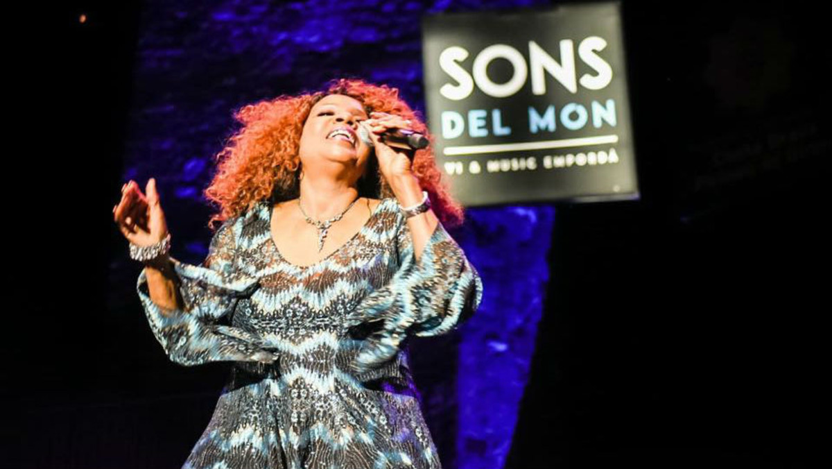 Gloria Gaynor, durante el concierto ofrecido este sábado en el festival Sons del Món.
