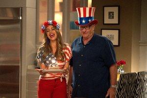 Gloria y Jay, en el primer episodio de la décima temporada de Modern family.