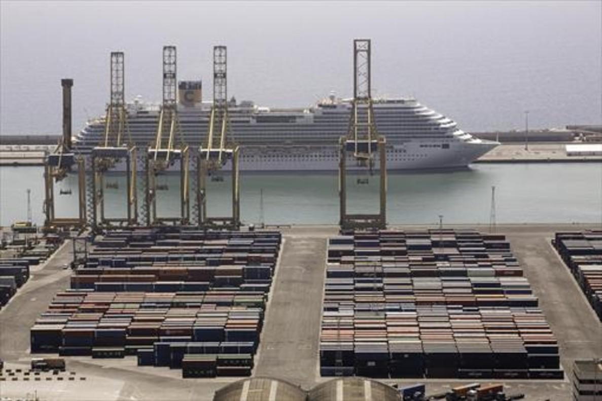 Gran tráfico 8Turismo y transporte de mercancías comparten zona.
