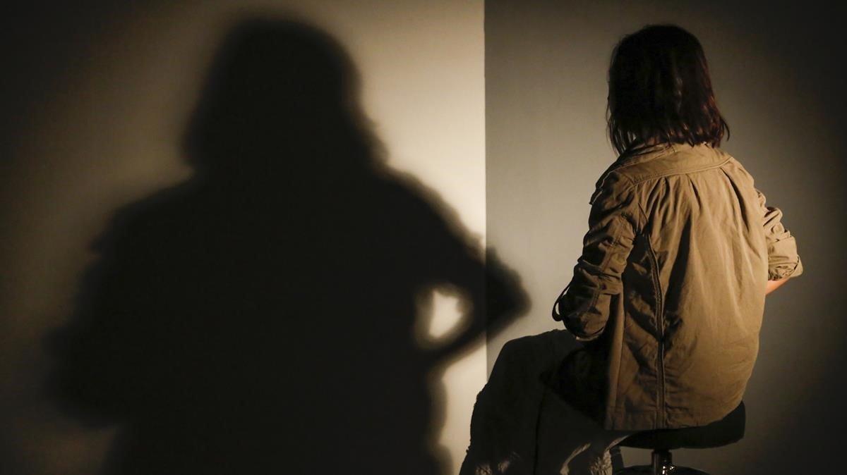 Montse, una de las madres a las madres que ha perdido la custodia de su hija tras denunciar a su expareja por abusar de su hija.