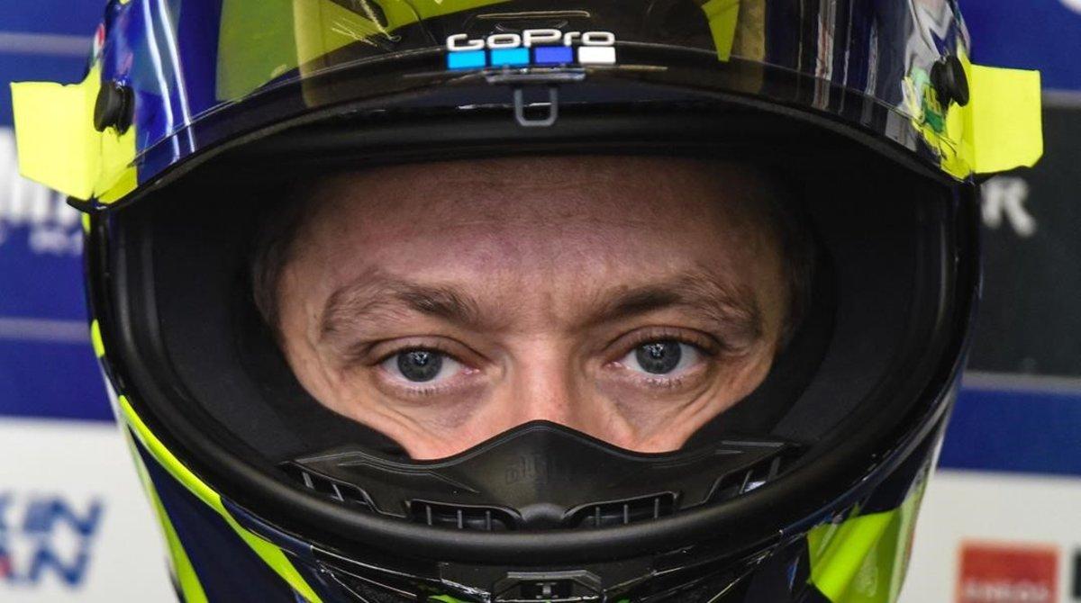 El italiano Valentino Rossi, hoy, en su box de Le Mans.