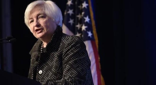 ¿Debe subir ya los tipos la Fed?