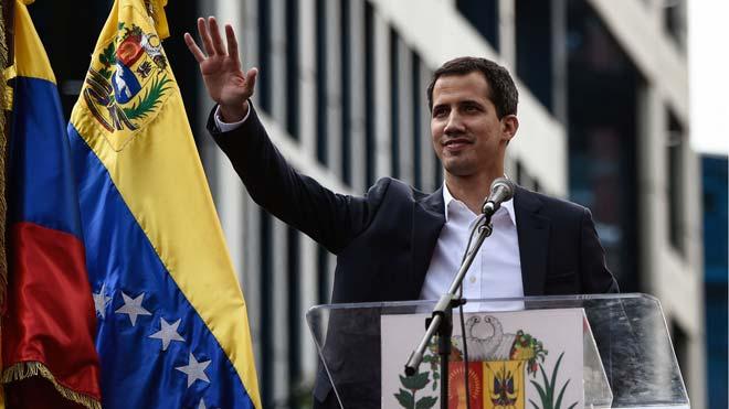 Juan Guaidó ofrece una futura amnistía a Nicolás Maduro.