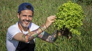 Juan LLorca, chef y apasionado de la nutrición infantil, ha emprendido una batalla por la comida saludable en las escuelas.