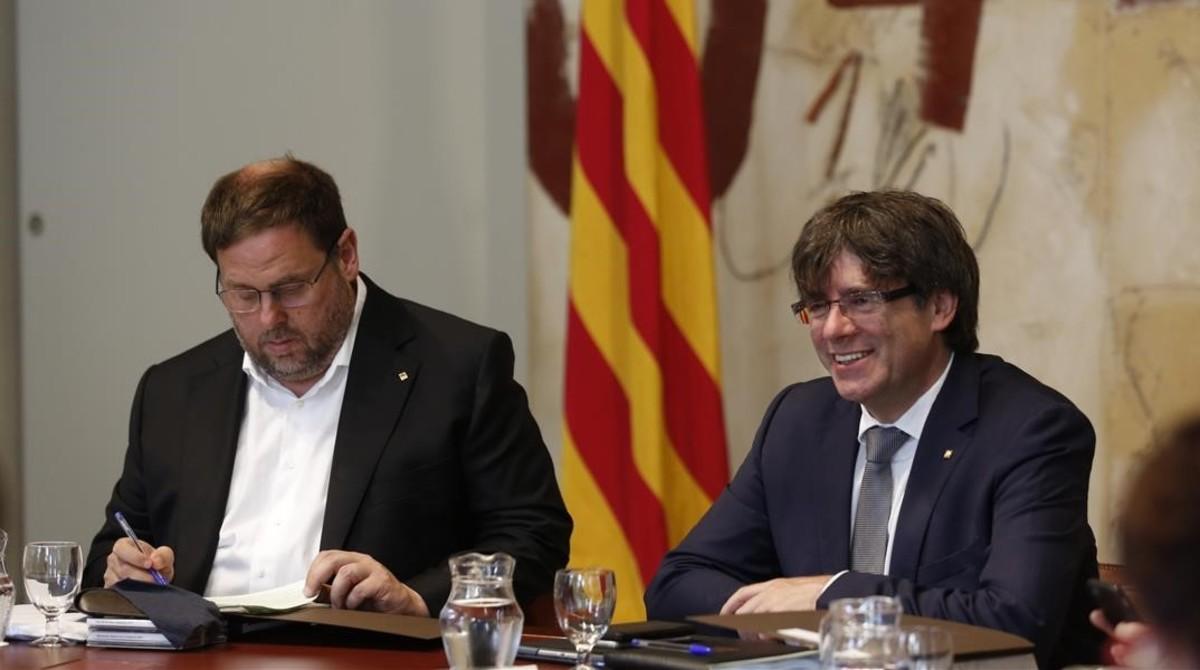 Junqueras y Puigdemont, en la reunión del Consell Executiu.
