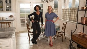 Kerry Washington y Reese Witherspoon en una imagen promocional de 'Little fires everywhere'.