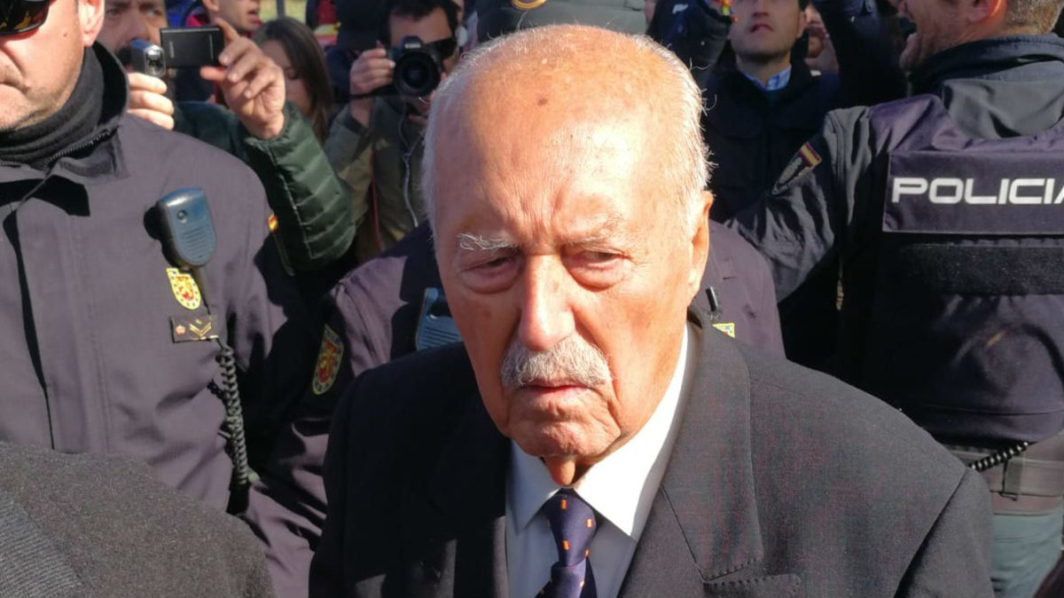 La llegada del golpista Antonio Tejero a la concentración franquista Mingorrubio