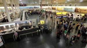 Un 50% més de detinguts ebris als aeroports britànics