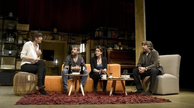 Los actores de 'Els veins de dalt'. Foto:David Ruano