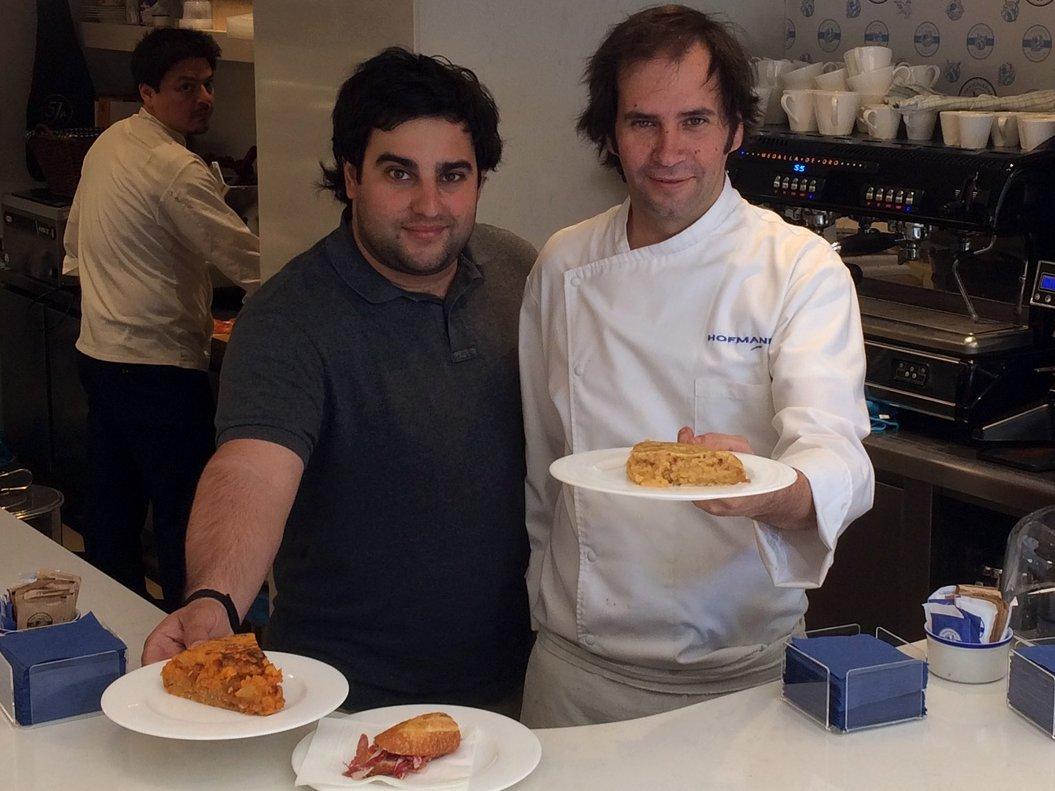 Miguel Puchol, propietario de Mantequerías Pirenaicas, y el chef Alberto Soriano.