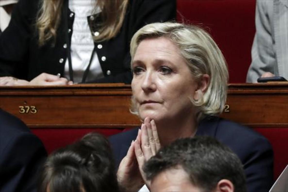 Marine Le Pen, en su escaño de la Asamblea Nacional, en el primer día de la legislatura, el pasado martes.