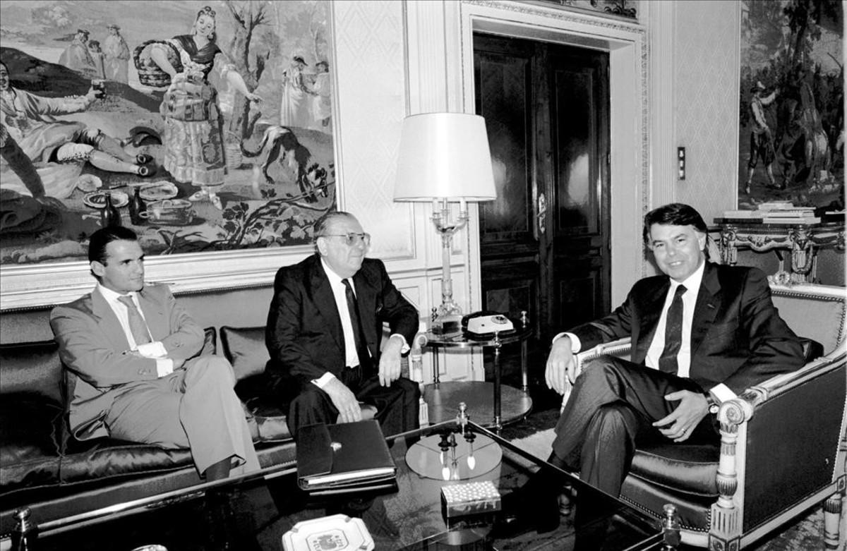 Mario Conde con Felipe González, en un encuentro en junio de 1988.