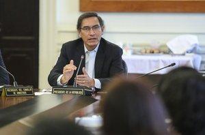 Vizcarra convocó de inmediato a elecciones legislativas extraordinarias para el próximo 26 de enero.