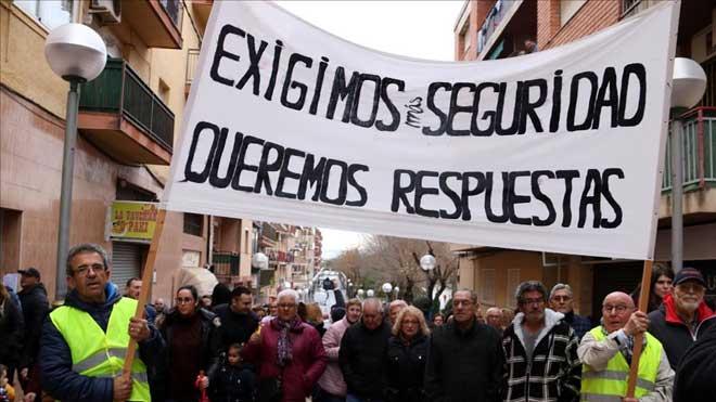 La manifestación por la seguridad de la petroquímica, a su paso por Bonavista.