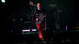 Matt Bellamy, en el concierto de Muse en San Mamés, la noche del sábado.
