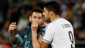 Messi y Suárez en el amistoso Argentina-Uruguay en Tel Aviv.