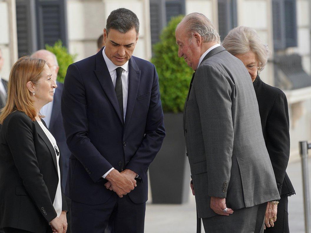 Pedro Sánchez y Juan Carlos I, en una imagen de archivo.
