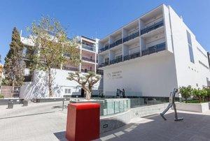 En estat crític un jove turista després de precipitar-se des d'un hotel d'Eivissa