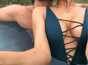 El posado con Bradley Cooper que Irina Shayk ha publicado en Instagram.