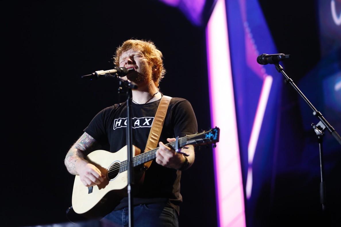 El cantante británico Ed Sheeran, durante el concierto de este domingo en Barcelona.
