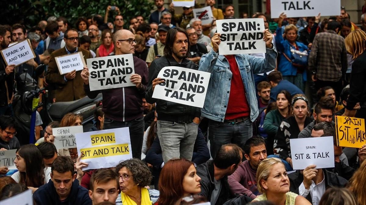 Protesta ante la Delegación del Gobierno, en Barcelona.
