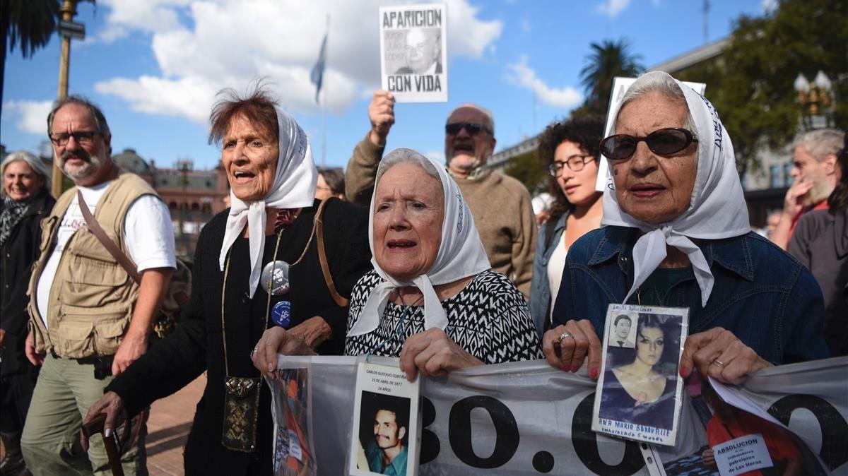 Manifestación de las Madres de Plaza de Mayo en Buenos Aires.