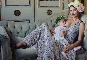 Así responde una fotógrafa a las críticas por dar el pecho a su hija en público