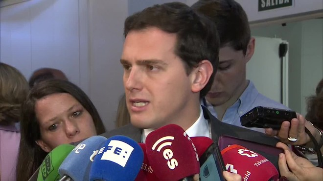 El líder de Ciudadanos cree que el Gobierno tendrá que asumir responsabilidades si se demuestra que Mariano Rajoy y el ministro de Hacienda mintieron al decir que no se había destinado ni un euro al referéndum del 1-O.