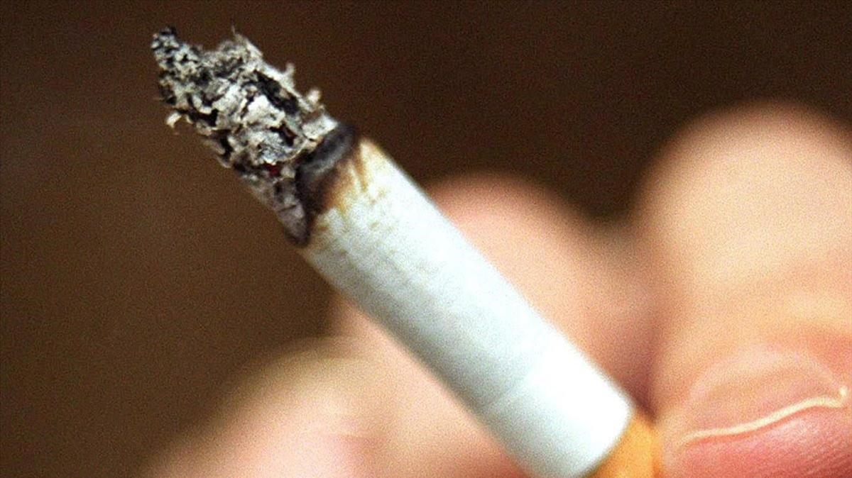 Els nens que viuen amb fumadors inhalen la nicotina de 60 a 150 cigarrets l'any