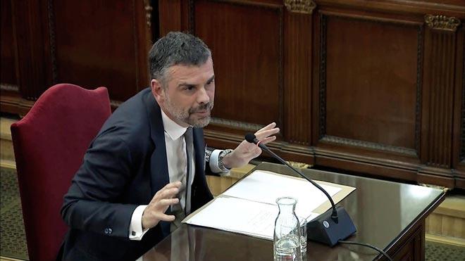 """Santi Vila: """"El gran referèndum va mutar i es va convertir en una manifestació política"""""""