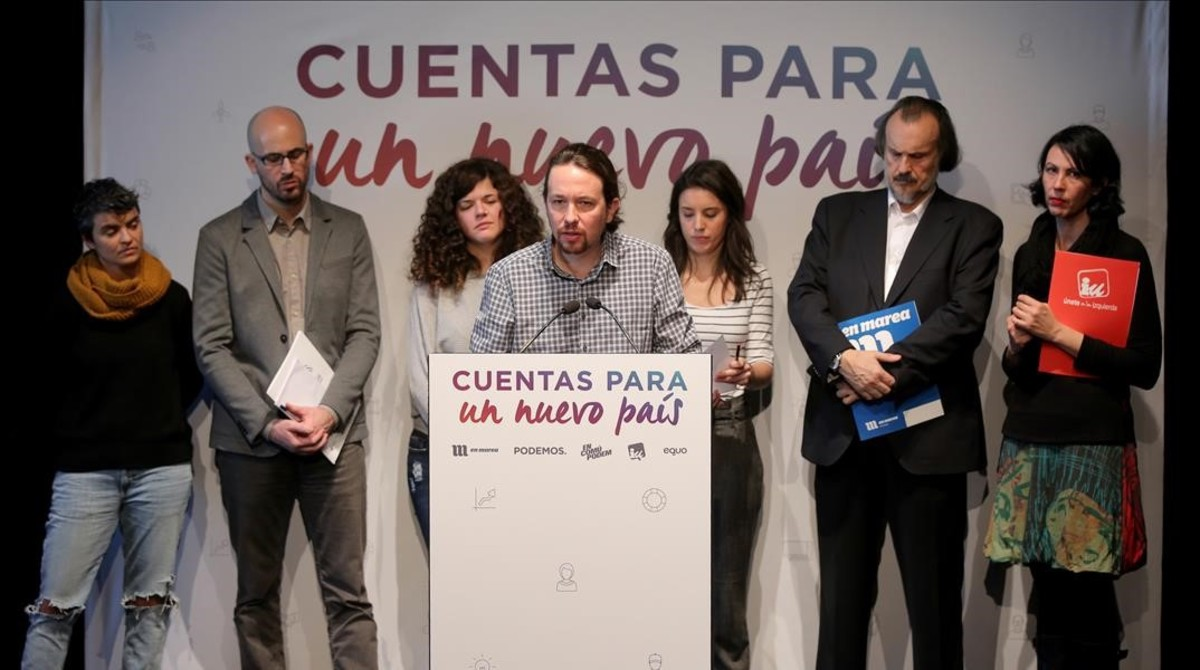 Pablo Iglesias y su equipo en la presentación de los presupuestos alternativos de Podemos.