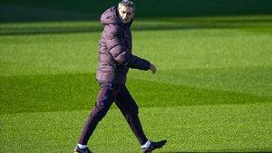 Valverde, en el entrenamiento de puertas abiertas en el Estadi Johan Cruyff.