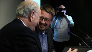 Xavier Domènech conversa con el presidente del Cercle dEconomia, Juan José Brugera.