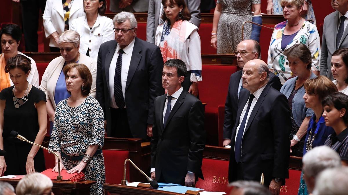Manuel Valls en su escaño en la Asamblea Nacional francesa, en julio del 2016.