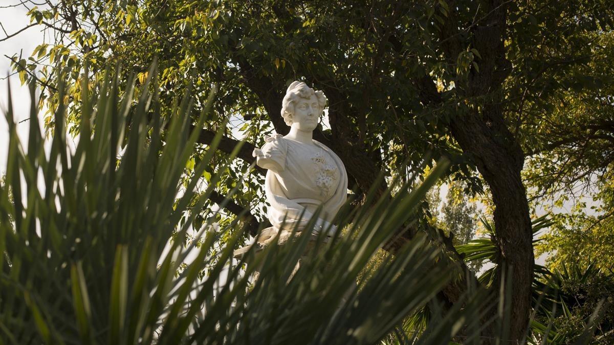 La estatua de Pepita Teixidor en el parque de la Ciutadella.