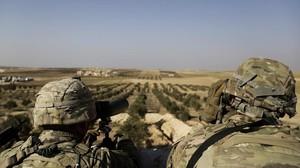 Militares estadounidenses en la localidad siria de Manbij.